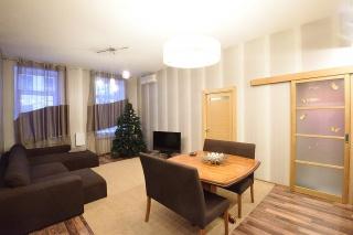 современная 3-комнатная квартира в аренду в историческом центре Санкт-Петербурга