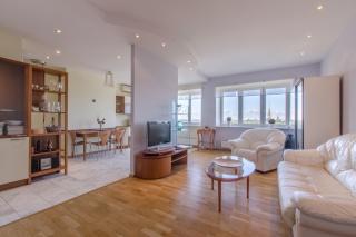аренда стильной 2-комнатной квартиры с террасой С-Петербург