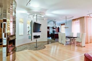 снять стильную 4-комнатную квартиру элитный дом улица Мичуринская С-Петербург