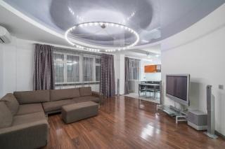 арендовать просторную 3-комнатную квартиру в Петроградском районе С-Петербург