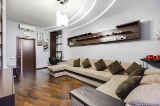 просторная 3-комнатная квартира в аренду в историческом центре СПБ