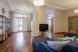 арендовать элитную квартиру с балконом Петроградский район С-Петербург
