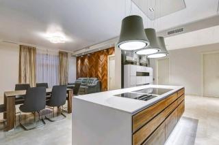арендовать эксклюзивную 4-комнатную квартиру Крестовский остров С-Петербург